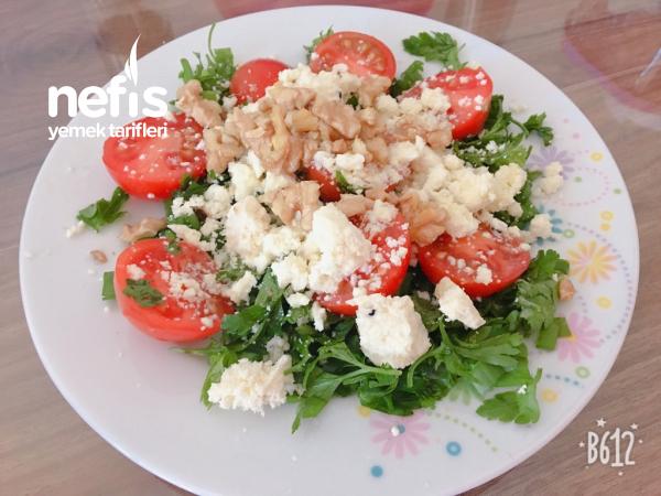 Peynirli Cevizli Salata