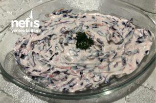 Havuçlu Kara Lahana Salatası Tarifi