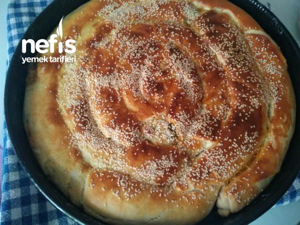 Ispanaklı Peynirli Kol Böreği