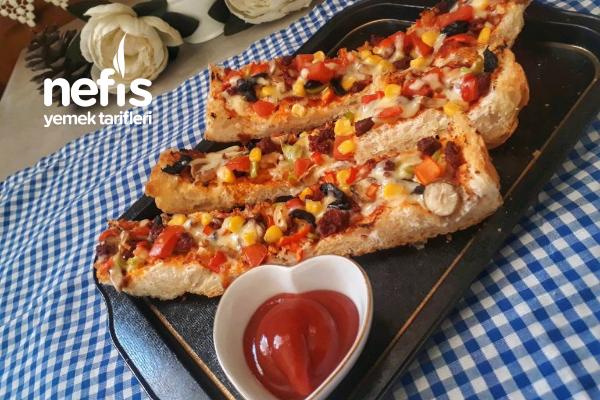 Bayat Ekmekten Enfes Çıtır Pizza Tarifi