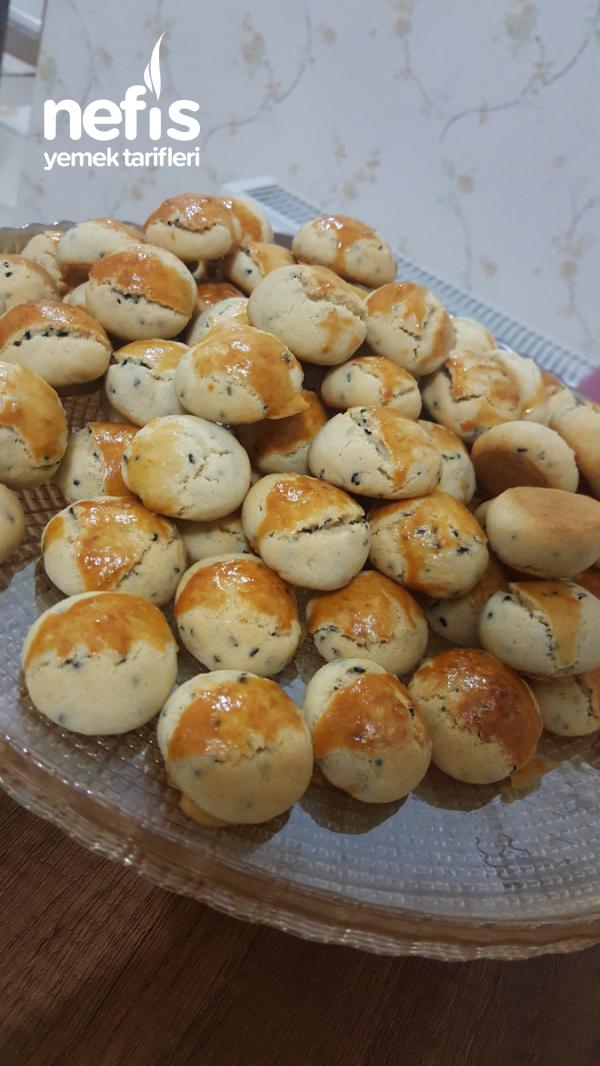 Çörek Otlu Misket Kırabiye