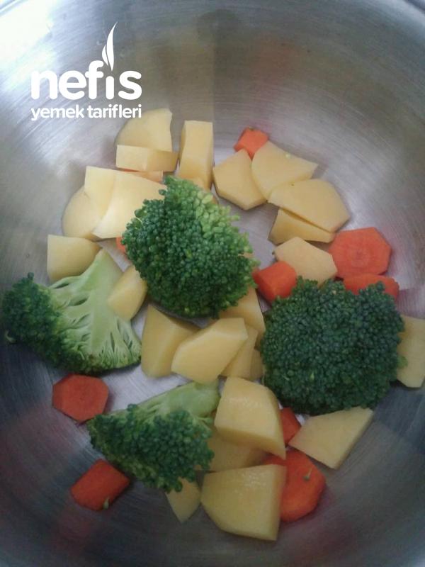 Bebegime Sebzeli Brokoli Çorbası