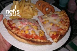 Kolay Pizza ( Bazlama Ekmeğinden Pizza ) Tarifi