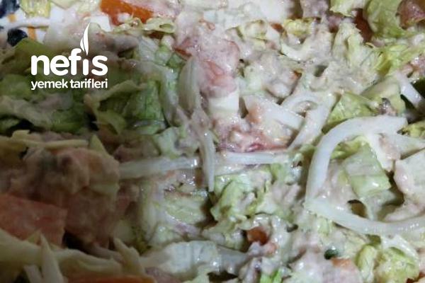 Efsane Ton Balıklı Salata Tarifi