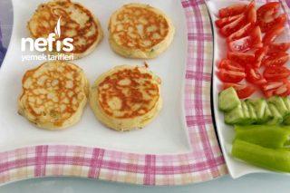 Kahvaltılık Enfes Peynirli Kaşık Dökmesi Tarifi