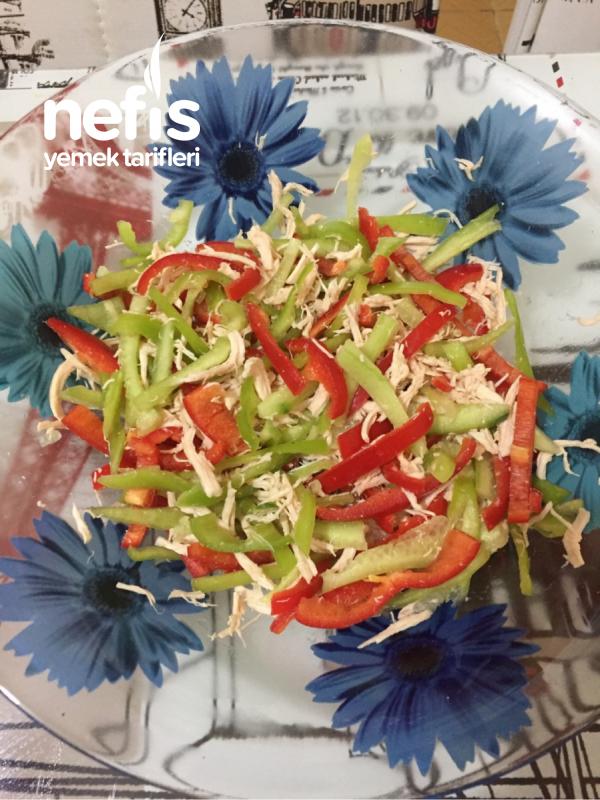 Tavuklu Biberli Salata