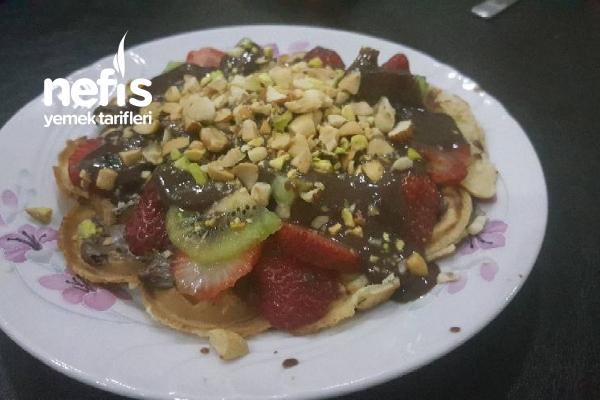 Bol Malzemeli Waffle Tarifi