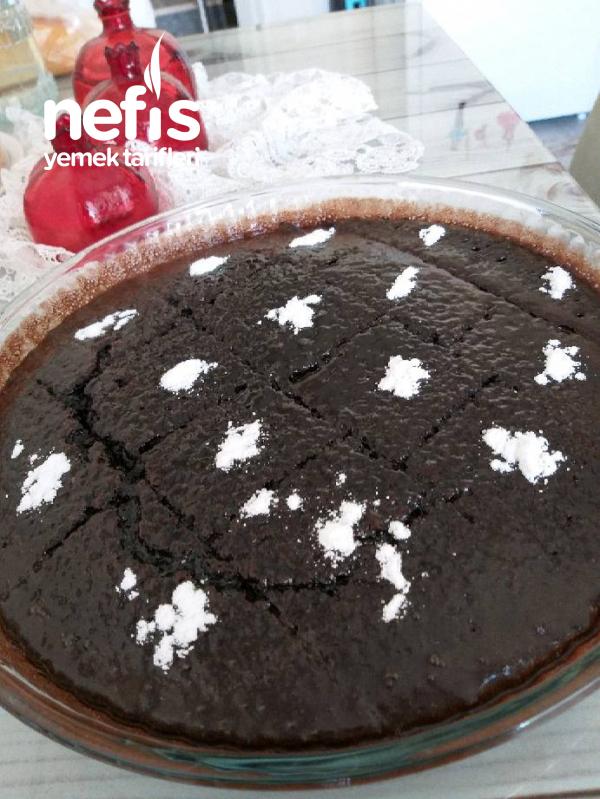 Browni Islak Kek ( Daha Önceki Tariflerinizi Unutturacak Bir Lezzet )