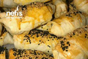 Teremyağlı Peynirli Ispanaklı Çıtır Çıtır Börek Tarifi