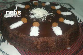 Çikolata Soslu Yumuşacık Tart Kek Tarifi