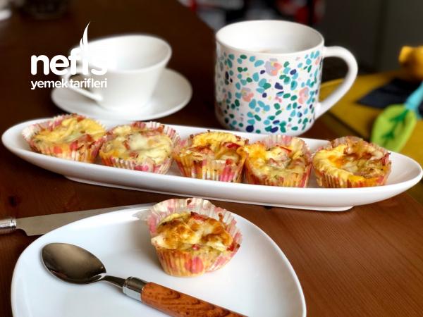 Çok leziz peynirli sebzeli yumurta muffinleri