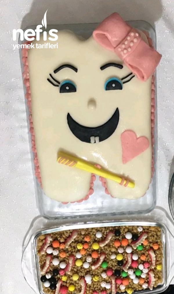 Diş Pastası (Şeker Hamurlu (Lokum İle) Diş Şeklinde Ayrıntılı Anlatımlı Pasta)