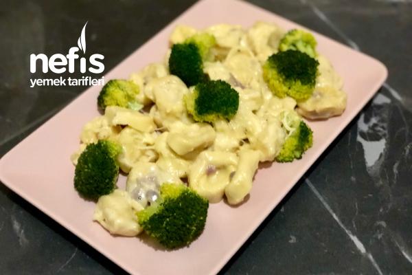 Kremalı Peynirli Brokolili Enfes Soslu Makarna Resimli Anlatım Tarifi