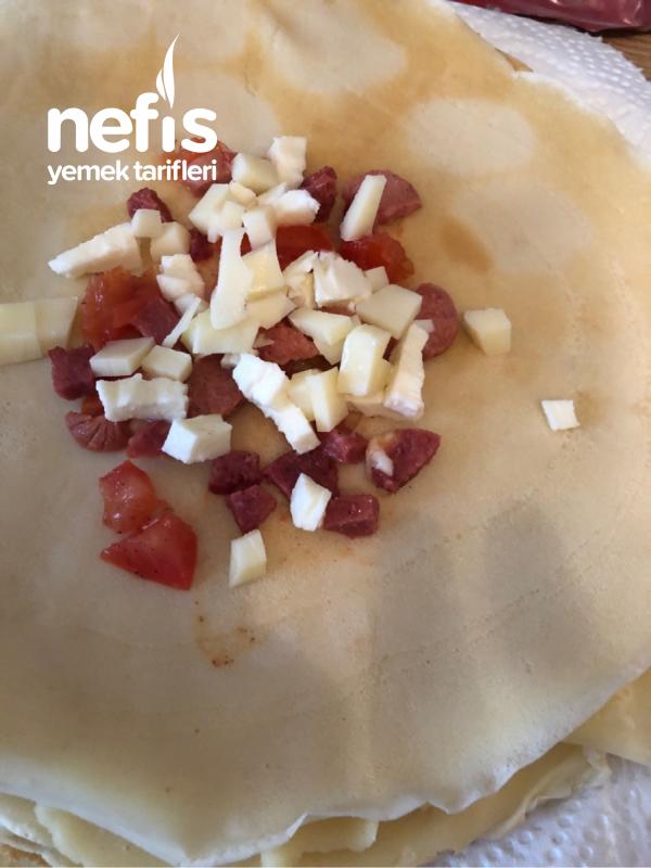 Tavada Karışık Peynirli Krep Börek Çok Pratik