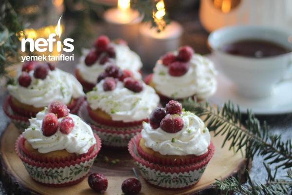 Turna Yemişli Hindistan Cevizli Muffin (Cranberry Cupcake)
