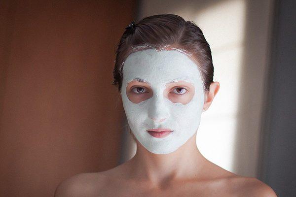 beyaz kil maskesi