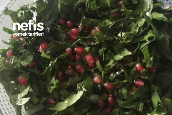 Narlı Ispanak Salatası Tarifi