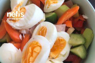 Renkli Kahvaltı Salatası Tarifi