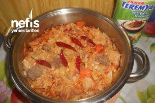 Teremyağlı Kıymalı Bulgurlu Havuçlu Kapuska Yemeği Tarifi