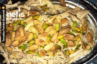 Teremyağlı Muhteşem Tavuklu Bademli Fıstıklı Pirinç Pilavı Tarifi