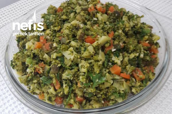 Brokoli Salatası (Kaşık Kaşık Yedirten) Tarifi
