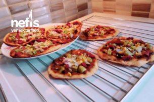 Teremyağlı Sırrı Sosunda Enfes Minik İnce Pizzalar Tarifi