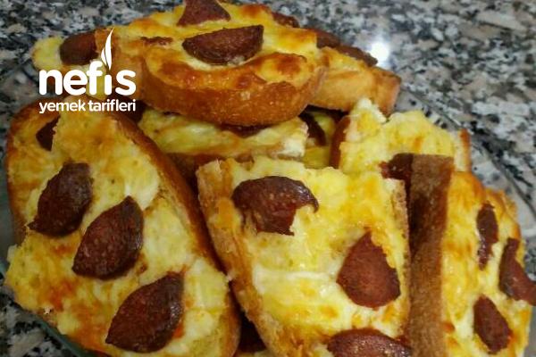 Teremyağlı Kahvaltılık Yumurtalı – Kaşarlı Sucuklu Ekmek Tarifi
