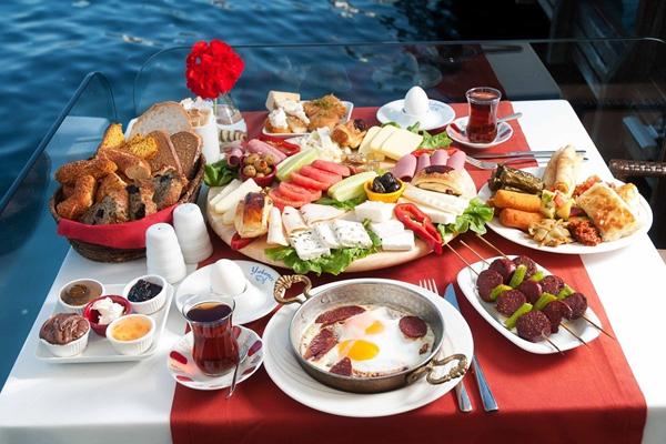 yakamoz restaurant açık büfe kahvaltı