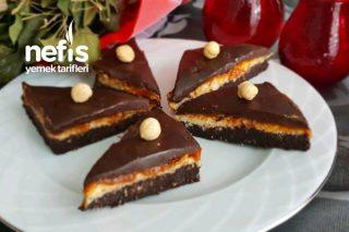 Çikolata Bombası (Yoğun Çikolata Sevenlere) Tarifi
