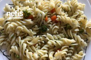 Brokolili Fesleğenli Enfes Makarna Tarifi