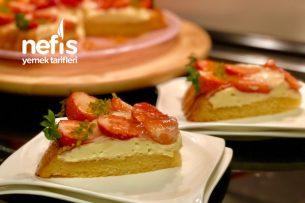 Çilekli Pamuk Tart Pasta (Kreması Olay Tarif) Resimli Anlatım Tarifi