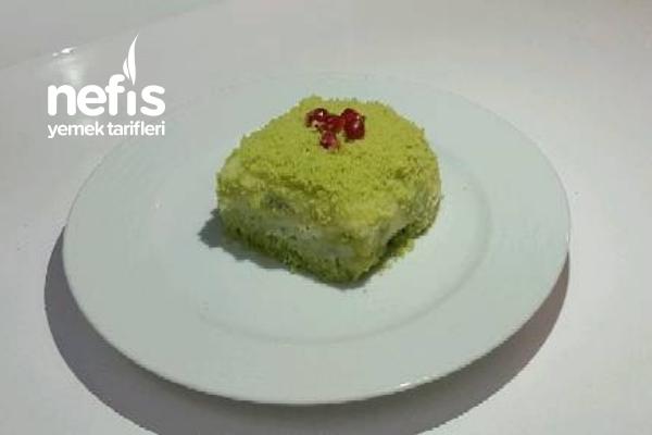 Teremyağlı Doğal Renkli Yaş Pasta Tarifi
