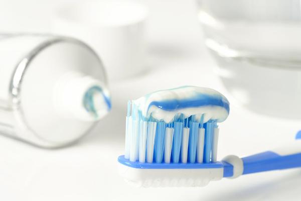 duşakabin temizliği diş macunu