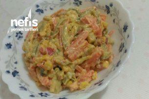 Efsane Yoğurtlu Sebze Salatası Tarifi