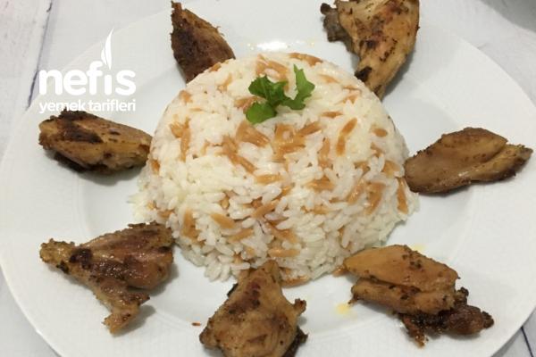 Tereyağlı Arpa Şehriyeli Pirinç Pilavı (Tavuk Suyuna) Tarifi