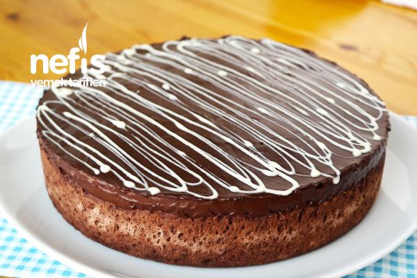 Çok Değişik Muhallebi Dolgulu Bomba Pasta Tarifi (videolu)