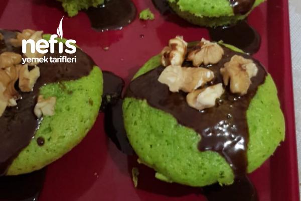 Teremyağlı Ispanaklı Minik Kekler Tarifi