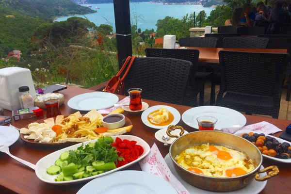 köy kahvaltısı yoros