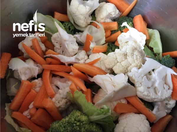 Karnabahar Brokoli Salatası(mükemmel Sirkeli Sos)