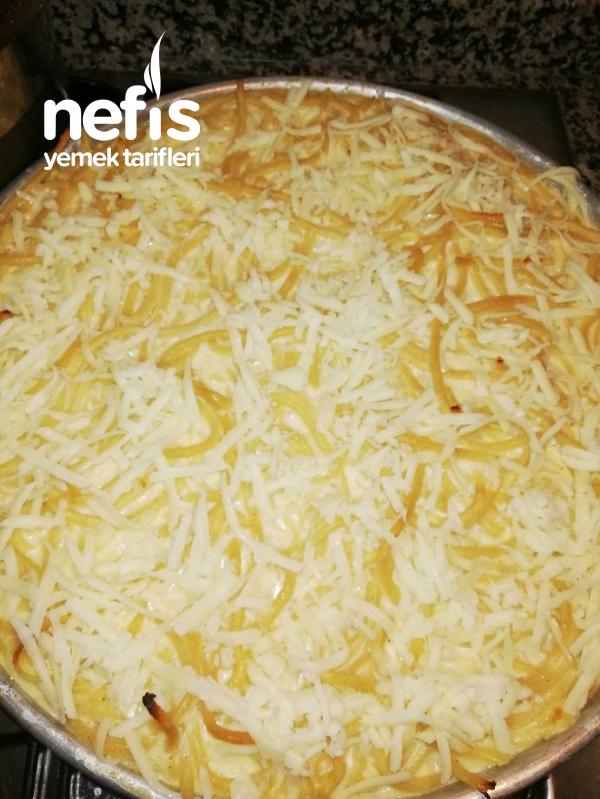 Bol Soslu Peynirli Fırın Makarna