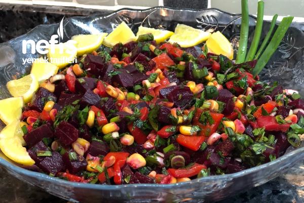 Kırmızı Pancar Salatası (Videolu) Tarifi