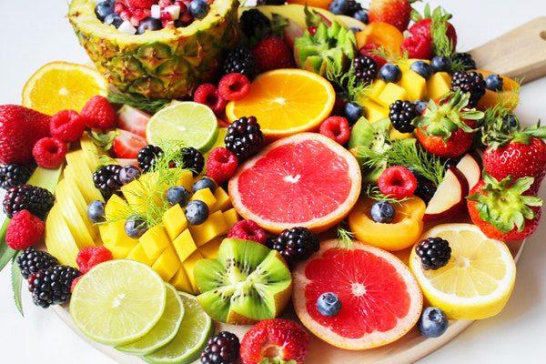 Yaz Meyveleri – Sıcak Günlerde İçinizi Ferahlatacak 12 Süper Meyve Tarifi