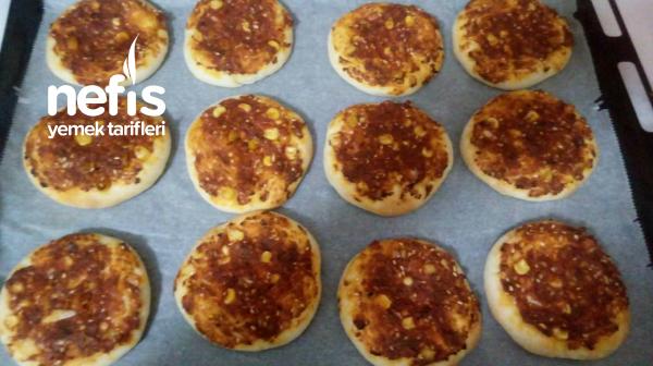 Biberli Ekmek (İç Harcı Pizza Tadında)