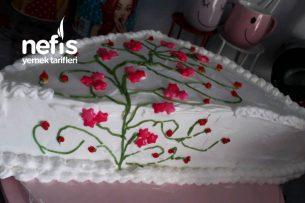 Kalıpsız Üçgen Yaş Pasta Tarifi