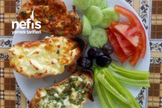 Üç Renkli Kahvaltılık Ekmekler (Tek Karışımdan) Tarifi
