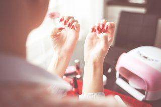 Evde Manikür Nasıl Yapılır? 6 Kolay Adımda Göz Alıcı Tırnaklar