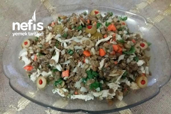Tahinli Tavuk Salatası Tarifi