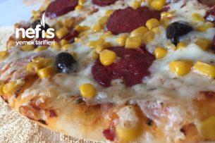 İnce Hamurlu Nefis Pizza (Tam Not Aldım) Tarifi