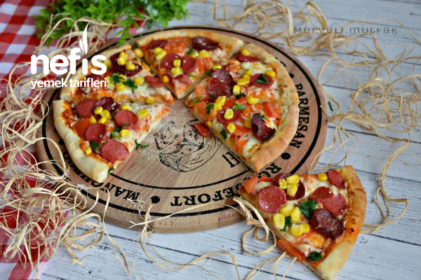 İtalyan Pizza (Orjinal Lezzet) Tarifi