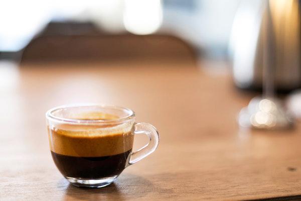 Espresso Kahve Nedir? Nasıl İçilir? Çeşitleri, Yapılışı, Kalorisi, Faydaları Tarifi